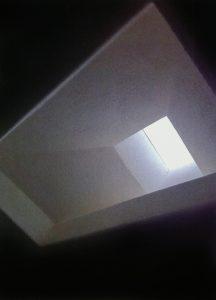 کانالهای هدایت نور و نورگیرهای مرکزداده AISO