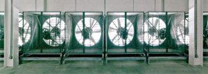 فنهای اتاق ترکیب هوای گرم و سرد در مرکز داده فیسبوک