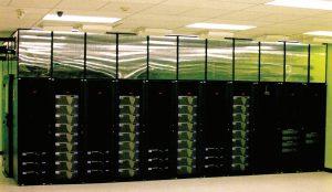 ردیف سختافزارها در محیط سرور مرکز داده Green House Data