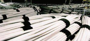 کابلکشی ساختیافته در سینی کابل و از راه سقف در مرکز داده Intel در ریو رانچو