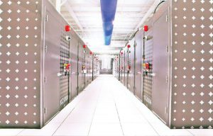 کاهش هزینه، سرعت استقرار تجهیزات، همچنین مقیاسپذیری بهتر نتیجهٔ بهرهگیری مرکز داده IO از قطعات ماژولار