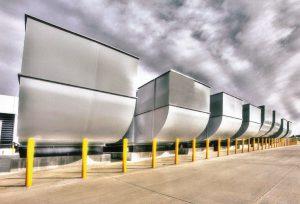 برق پشتیبان مرکز داده کلاس سه IO را ژنراتورهای آمادهبهکار فراهم میکنند.