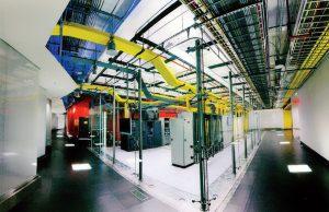 یکی از سالن سرورهای محصور در تاسیسات NAP قاره آمریکا در مرکز داده Terremark