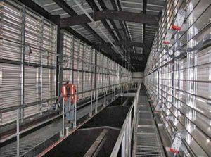 تاج شیروانی بالای یکی از ساختمانهای مرکز داده یاهو که هوای گرم سرورها از آنجا تخلیه میشود.
