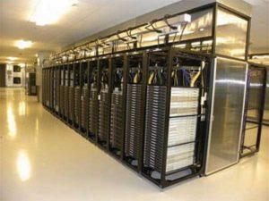 سالنهای سرور مرکز داده یاهو کف کاذب ندارند.