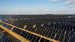 نیروگاه خورشیدی ۲۲۷ مگاواتی مرکز داده فیسبوک در کلبرت